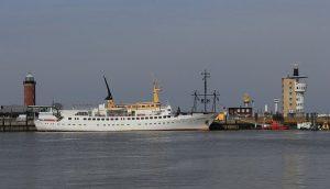 Sea transportation in Kuwait