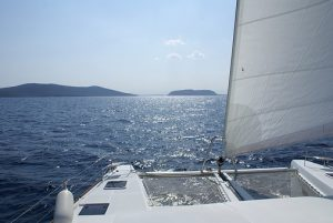 Try speed boating, scuba diving or catamaran sailing in Kuwait