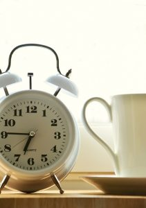 an alarm clock - First thing on your moving day checklist is to wake up early