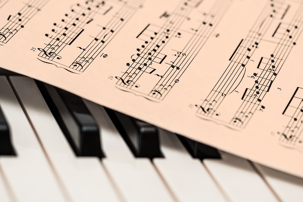a piano can play any song on your Moving day playlist