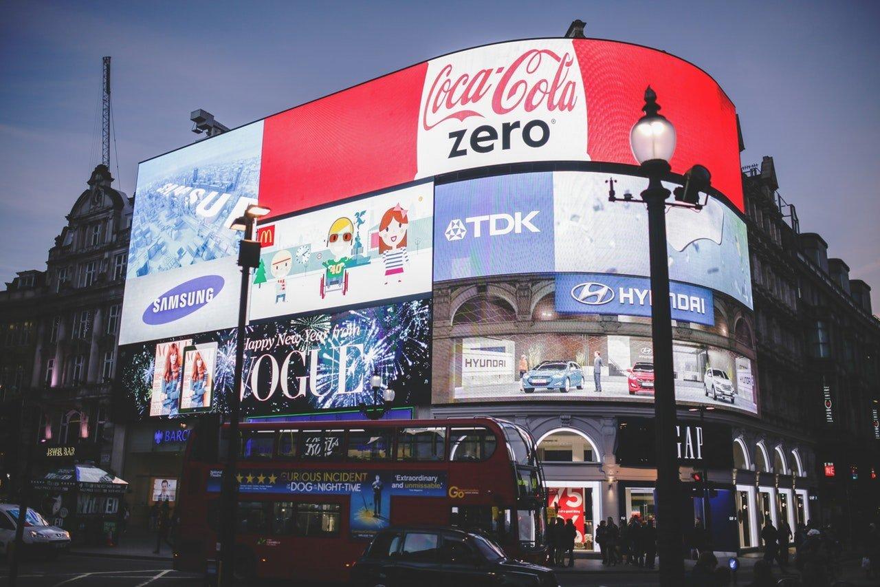 Commercials - Hiring an expert logistics company