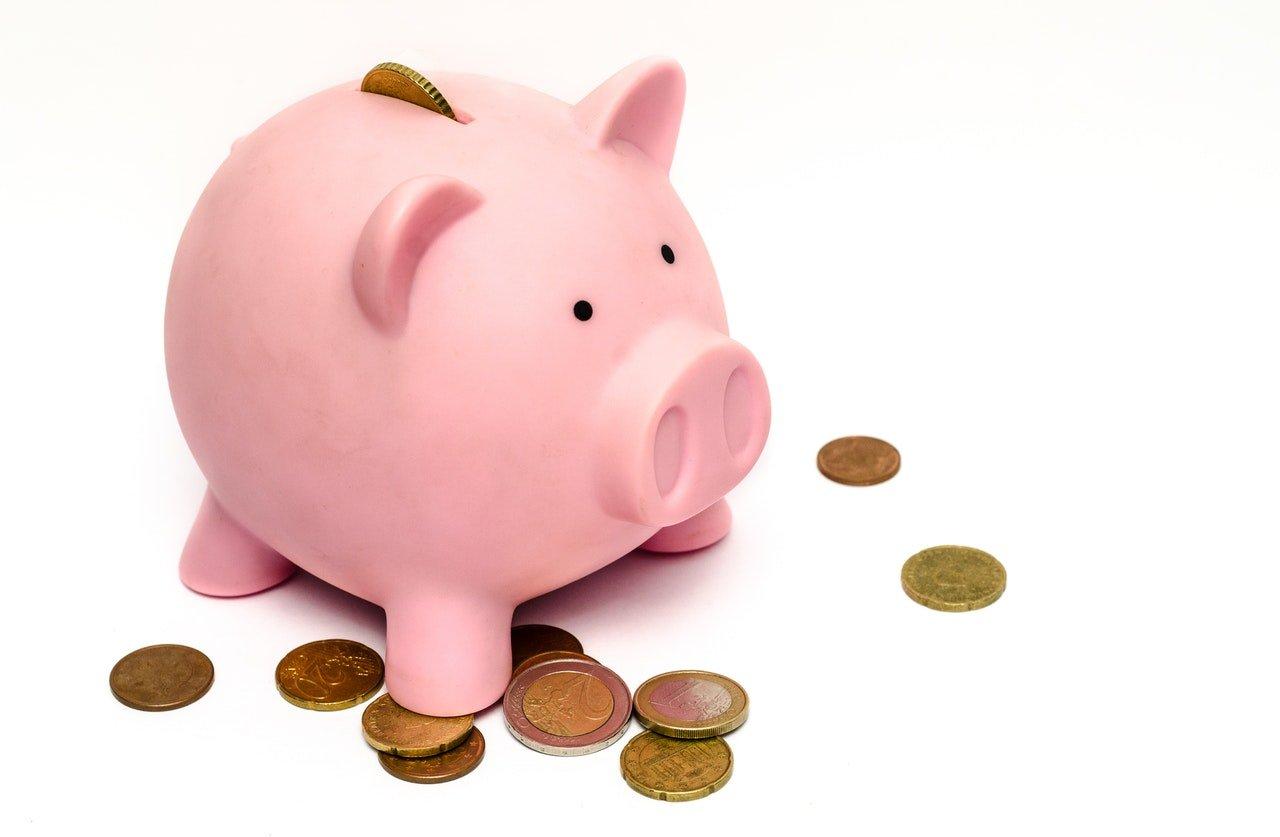 Piggy bank - Hiring an expert logistics company