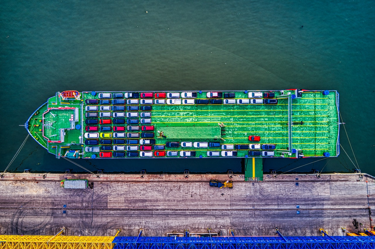 Shipping your car to Saudi Arabia-cargo ship loaded with cars
